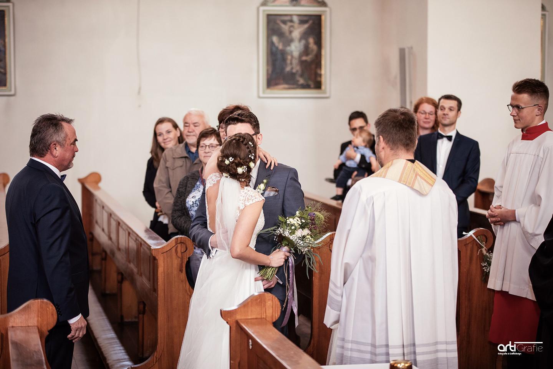 Übergabe der Braut-Hochzeitsfotografie-Eichsfeld