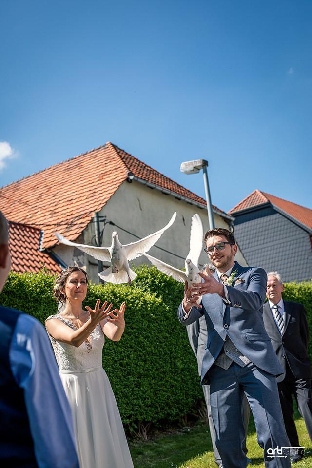 Hochzeitstauben-Hochzeitsfotograf-Eichsfeld
